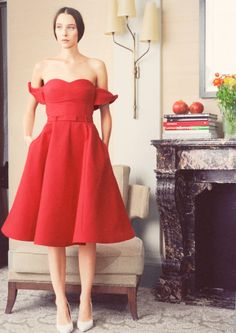 InStyle is the leading site for celebrity style. See expert fashion advice, star hairstyles, beauty tips, how-to videos and real-time red carpet coverage. Red Fashion, Fashion News, Fashion Outfits, Fashion Glamour, Fashion Capsule, Susie Bubble, Photo Glamour, Strapless Dress Formal, Formal Dresses