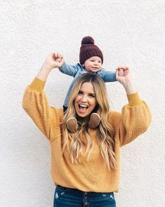 Cute outfits for mom and baby Niedliche Outfits für Mama und Baby Mother And Baby, Mom And Baby, Baby Boys, Mommy And Son, Mom Son, 6 Month Baby Picture Ideas, Baby And Mom Pictures, Outdoor Baby Pictures, Mom Outfits