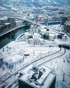 Snow way! ❄️ Enjoy the flurries Valencia, Basque Country, Paris Skyline, Beautiful Places, Europe, Snow, France, City, World