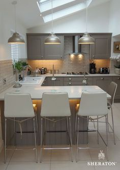 L-shaped kitchen &; Each of us has different L-shaped kitchen &; Every … - Modern Small Open Plan Kitchens, Open Plan Kitchen Dining Living, Open Plan Kitchen Diner, Small L Shaped Kitchens, Kitchen Layout Plans, Modern Open Kitchens, Modern Kitchens With Islands, Living Room And Kitchen Together, Small Country Kitchens