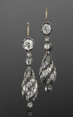 Vintage Jewelry Antique Old Mine Diamond Spiral Pendant Earrings, French, circa 1880 Bijoux Art Deco, Art Deco Jewelry, Fine Jewelry, Jewelry Design, Jewelry Box, Prom Jewelry, Glass Jewelry, Bridal Jewelry, Beaded Jewelry