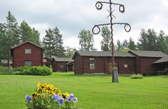 Mockfjärd´s society of local history in Lindbyn consist of 24 buildings, some of which are nearly 400 years old, are located on a hill overlooking the Västerdalaälven.