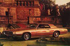 1967 Ford Thunderbird 2-Door