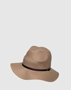 """Hat: Gestuz """"Pam"""". Click on the picture to get the product ♥"""