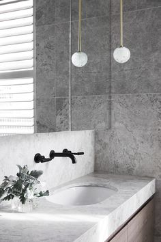 Under mount basins TCL Residence - Mim Design Bathroom Faucets, Small Bathroom, Master Bathroom, Remodled Bathrooms, Colorful Bathroom, Bathroom Hardware, Contemporary Bathrooms, Washroom, Bathroom Inspo