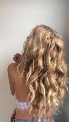 Bride Hairstyles, Pretty Hairstyles, Easy Hairstyles, Loose Curls Hairstyles, Homecoming Hairstyles, Formal Hairstyles, Hairstyle Ideas, Homecoming Hair Down, Hair Vine