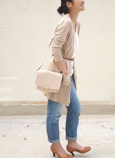 Love the over the shoulder bags. Fave!