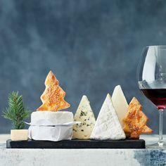 Ruotsalaiset juustokeksit | Leivonta, Suolainen leivonta | Soppa365 Tartan, Dairy, Cheese, Christmas Foods, Tarte Tatin, Christmas Lunch, Plaid