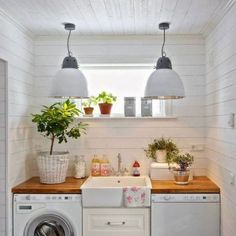 Check out these five brilliantly inspiring ideas from Decor Aid, and how they can turn your small laundry room into a place where folding clothes is fun. Tiny Laundry Rooms, Farmhouse Laundry Room, Laundry Room Storage, Laundry Room Design, Laundry Baskets, Storage Organization, Interior Design Guide, Laundry Room Inspiration, Home Decor
