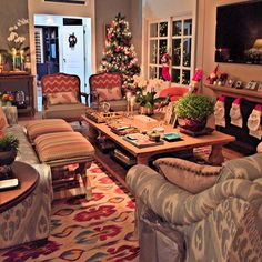 @such_a_beautiful_house   Minha casa! ❤️ #suchabeautifulhouse #instahome #instahouse #living #sala #christmashouse #restorationhardware #bykamy #celinadias #entreposto