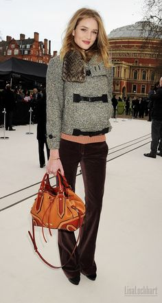 Rosie Huntington-Whiteley such a cute fall/winter look
