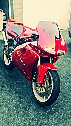 Cagiva Mito 125 cc my Son's  The fastest 125cc out therè IMÒ :)