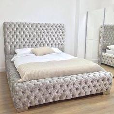 Sorrento Silver Crushed Velvet Super Buttoned Bed
