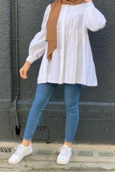 Modern Hijab Fashion, Hijab Fashion Inspiration, Muslim Fashion, Girls Fashion Clothes, Fashion Outfits, Mode Bcbg, Stylish Hijab, Stylish Dresses For Girls, Mode Hijab