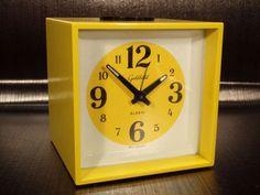 eBay, c'est vous! Achetez Goldbuhl clock alarm yellow reveil jaune space age 70's vintage dans la catégorie Art, antiquités, Meubles, décoration, XXème, Design du XXème siècle, Réveils sur eBay, au format Enchères ou à Prix fixe!