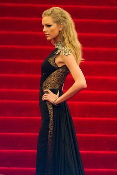 All the Ladies on the Met Gala Red Carpet!: Taylor Swift at the Met Gala 2013.: Michelle Williams at the Met Gala 2013.