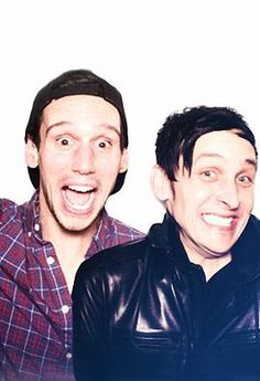 Cory Michael Smith and Robin Lord Taylor *-* too cute ♥