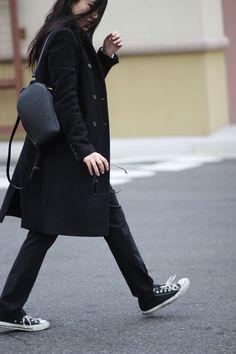 Nicole Pham #lovegrabwear #fashionblogger #casual #louisvuitton #converse #rayban #zara #streetstyle