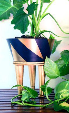 DIY tripod planter - needs better proportions... but I like the idea