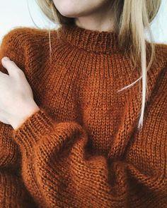 Ravelry: Novice Sweater pattern by PetiteKnit Pullover Shirt, Pullover Sweaters, Sweater Knitting Patterns, Knit Patterns, Kos, Pullover Design, Oversize Pullover, Aran Weight Yarn, Cooler Look
