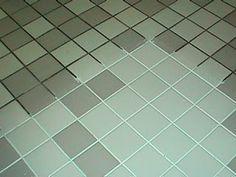 Probleme bei der Reinigung von Fugen? Mit diesem Rezept: 7 Tassen Wasser, 1/2 Tasse Backpulver, 1/3 Tasse Ammoniak (oder Zitronensaft) und 1/4 Tasse Essig. Spray auf Mörtel, lassen Sie für ca. 1 Stunde stehen, dann kräftig schrubben mit einer Bürste. http://amumntheoven.blogspot.de/search?updated-max=2012-07-28T05:27:00-07:00