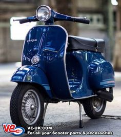 Photographs of a Vespa Primavera within the authentic livery Blu Marine 9 PIA 5659 Extra footage and knowledge Vespa Ape, Piaggio Vespa, Moto Vespa, Scooters Vespa, Lambretta Scooter, Scooter Motorcycle, Motor Scooters, Vespa Px 150, Vespa Gts 300