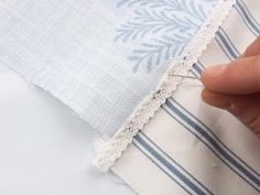 To celebrate the launch of our new season fabrics, we're showing everyone how to create their own DIY lavender sachets. Diy Lavender Bags, Lavender Crafts, Lavender Sachets, Ashley Store, Sachet Bags, Scrap Fabric Projects, Shabby Chic Pillows, Scented Sachets, Fabric Cards