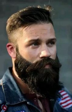Great solution for men with short beard growth as well as ones who enjoy a balanced look They are the short beards that appear long. Here is the official medium length beard guide Fade Haircut With Beard, Beard Haircut, Haircuts With Beards, Short Beard, Great Beards, Awesome Beards, Beard Styles For Men, Hair And Beard Styles, Hair Styles