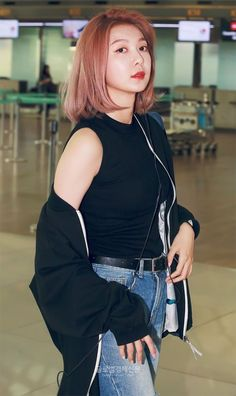 You stop being perfect this instant! Kpop Girl Groups, Korean Girl Groups, Kpop Girls, Twice Fanart, Gfriend Sowon, Airport Style, Airport Fashion, Kpop Fashion, Pick One