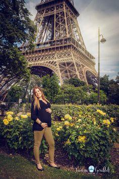 Algumas das minhas fotos de Paris. #fotografabrasileiraemparis #brasileirosemparis #paris #amor #luademel #luademelemparis #vanessageraldeliphotoart #viagemparis #primaveraemparis #flores #casal #louvre #torreeiffel #love #cute #fotododia #photooftheday #nice #beautiful #happy #felicidade #girl #france #frança #picoftheday #like #icasei #itsaboy