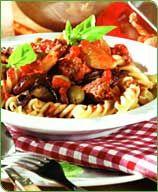 Pasta met gehakt-champignonsaus, ook voor een tafel vol eters!