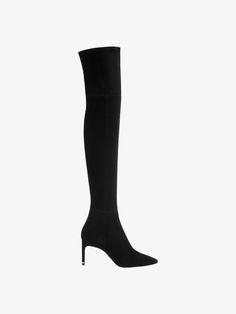 Bota XL de tacão em pele camurça clássica preta que se adapta à perna. Forro e palmilha de pele.