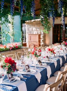 Snorkel Blue and Red Wedding Tablescape / http://www.deerpearlflowers.com/30-snorkel-blue-wedding-color-ideas-for-2016/