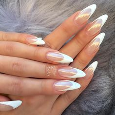 24 Unique Ideas on How to Bump Up French Tip Nails - Styles Art Acrylic Nail Tips, Simple Acrylic Nails, Almond Acrylic Nails, Almond Nails Designs, Nail Designs, Clear Nails, Gel Nails, Judy Nails, Express Nails