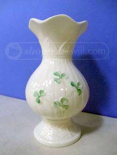 Belleck Ireland China Ivory Shamrock Vase Need Irish traditional wedding music in Chicagoland? Email us at irishtradmusic@sbcglobal.net