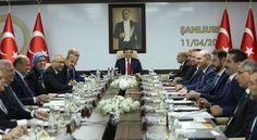 Bakanlar Kurulu Toplantısı Başbakan Ahmet Davutoğlu başkanlığında Şanlıurfa'da düzenlendi.   13 yıl aradan sonra Bakanlar Kurulu ilk kez #Ankara dışında toplandı. [11.04.2016]