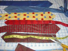 Learning how to craft a necktie pillow is very easy. Neckties can be found in oodles of colors and patterns and although one necktie alone w...