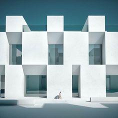 Metaphysics – Les architectures minimalistes et surréalistes de Michele Durazzi (image)