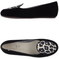 Cp Charles Philip Shanghai Moccasins (£84) ❤ liked on Polyvore featuring shoes, loafers, black, mocasin shoes, kohl shoes, leather sole moccasins, black shoes and round toe shoes