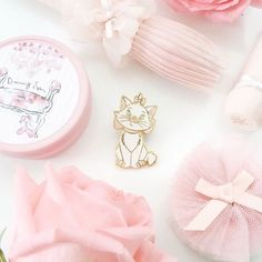 Uploaded by frozenpink♡. Find images and videos about pink, pastel and disney on We Heart It - the app to get lost in what you love. Princess Aesthetic, Pink Aesthetic, All Things Cute, Girly Things, Aristocats, Everything Pink, Cute Pins, Disney Dream, Disney Pins