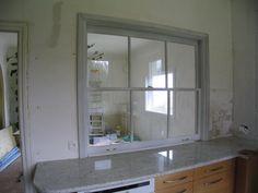 Fenêtre à guillotine sur cuisine encastrée