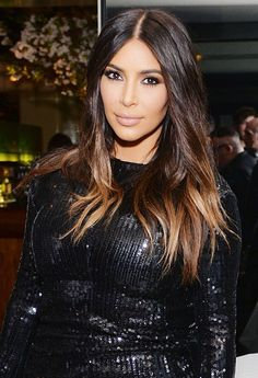kim-kardashian-67bd7e0e-3d4e-4d7d-bc29-03e19c1e91f9.jpg 920×1,346 pixels