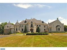 Imagine living like a King or Queen in this Doylestown, PA home!