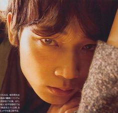 綾野剛 Japanese Boy, Asian Celebrities, Actors, Eyes, Sexy, Face, Beautiful, The Face, Faces