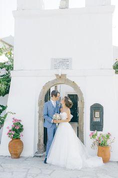 Just married couple posing so tender in front of wedding venue in Corfu Island Corfu Wedding, Greece Wedding, Corfu Island, Island Weddings, Couple Posing, Just Married, Greek Islands, Old World, Wedding Venues
