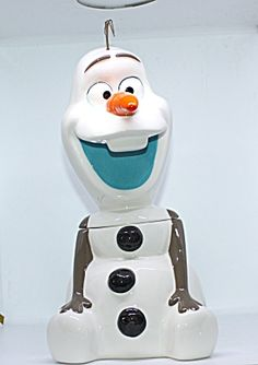 Olaf Cookie Jar Olaf Cookies, Disney Cookies, Cute Cookies, Ceramic Decor, Ceramic Pottery, Cookie Containers, Antique Cookie Jars, Rocking Horses, Disney Collectibles