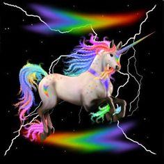 licorne arc-en-ciel avec des éclairs #licornes