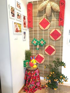 Chinese New Year Decorations, Chinese New Year Crafts, New Years Decorations, Festival Decorations, New Year's Crafts, Diy And Crafts, New Year Backdrop, Chinese New Year Traditions, Indian Wedding Theme