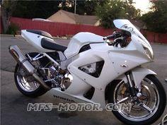HONDA CBR 929 Pearl White. Look fresh and cool?