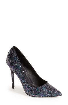 Love these glitter party pumps!